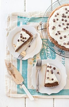 chocOlate mousse tart with chocolate chip cookie crust