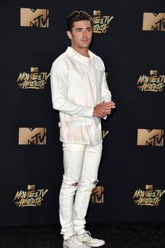 Zac Efron on the red carpet at the MTV Movie & Tv Awards 2017