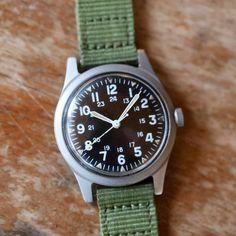 Vintage Hamilton WW-G-113 Military Watch Vintage Military Watches, Watch Deals, Military Issue, Old Watches, Hamilton, Anniversary, Hacks, Things To Sell, Crystals