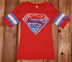 Superman Graphic Tee Shirt Woman's Size Small (3/5) #Supergirl #Superhero Womens Vintage Tees, Graphic Tee Shirts, Supergirl, Superman, Mens Tops, Fashion, Moda, La Mode, Fasion