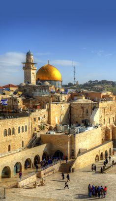 Western Wall and Dome of the Rock in the old city of Jerusalem | 15 Inspiring Photos of Holy Land that will make you want to travel to Jerusalem