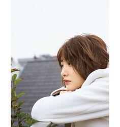 生駒里奈 インタビュー 【with】online Crushes, Raincoat, Idol, Actresses, My Love, Cute, People, Pattern, Fashion