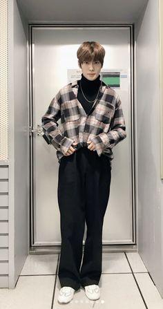 Jaehyun Nct 127, Fashion Idol, Pop Fashion, Fashion Outfits, Jaehyun Nct, Taeyong, Nct Group, Nct Johnny, Suit Shirts