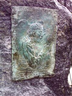 Al Pittman Memorial by Gerald Squires on the lawn of Western Star Newspaper in Corner Brook, NL. Jungle Jim's, Atlantic Canada, Newfoundland, Public Art, Great Artists, Lawn, Creativity, Corner