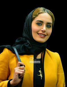 Elnaz shakerdoost Iranian Actors, Iranian Women, Beautiful Celebrities, Beautiful Women, Iranian Beauty, Head Scarf Tying, Persian Girls, Country Women, Just Smile