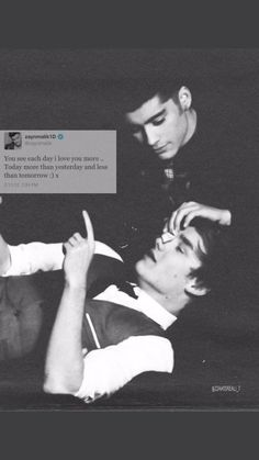 I miss ziam too much 💔 One Direction Background, One Direction Lockscreen, One Direction Fandom, One Direction Facts, One Direction Wallpaper, One Direction Imagines, One Direction Pictures, One Direction Memes, I Love One Direction