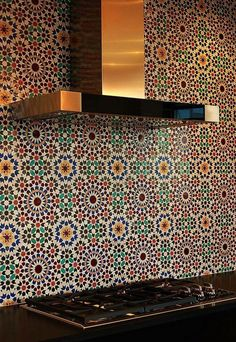 Discover the ultimate in handcrafted Moroccan tiles and custom Moorish mosaics for luxurious bathrooms, kitchens & pools-Le Mosaiste in Los Angeles, CA. Moroccan Tile Backsplash, Backsplash Arabesque, Kitchen Backsplash, Backsplash Ideas, Backsplash Design, Mosaic Tiles, Moroccan Colors, Moroccan Design, Moroccan Decor