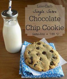Low-Carb Single Serve Chocolate Chip Cookie (THM - S, gluten free) Trim Healthy Recipes, Trim Healthy Momma, Delicious Cookie Recipes, Thm Recipes, Free Recipes, Pillsbury Recipes, Copycat Recipes, Cheesecake Recipes, Recipies