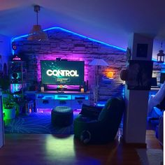 47 Epic Video Game Room Decoration Ideas for 2020 Retro Video Gaming Setup Vid Epic Decorating Ideas for Video Game Room for 2020 Retro Video Game Setup Video Game Room Game Room Decor 30 Best Gaming Setup, Gaming Room Setup, Cool Gaming Setups, Fun Video Games, Video Game Rooms, Small Game Rooms, Computer Gaming Room, Bedroom Setup, Game Room Design