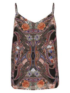 Style this VERO MODA top with a pair of denim shorts and get the perfect festival look!