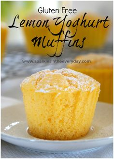 Fluffy, moist gluten free lemon muffins that are perfectly dusted with icing sugar or served warm with cream and berries! Fluffy Lemon and Yoghurt Muffins (gluten free option) - Gluten Free Lemon Yoghurt Muffins! Gluten Free Cakes, Gluten Free Desserts, Gluten Free Lemon Cake, Lemon Recipes Gluten Free, Healthy Lemon Recipes, Gluten Free Biscuits, Gluten Free Treats, Vegan Recipes Thermomix, Gluten Free Lunches