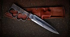 Swords And Daggers, Knives And Swords, Trench Knife, La Forge, Brass Knuckles, Us Marine Corps, Arm Armor, Weapons Guns, Cover Pics