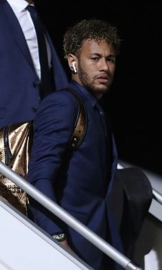 World Soccer News Best Football Players, Football Is Life, Soccer Players, Neymar Jr, Neymar Brazil, Boyfriend Pictures, Cute Teenage Boys, Man Crush Everyday, Soccer News