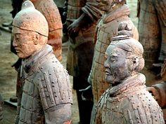 Terracota Army - burial of an emperor in China that contains 8000 unique soldier statues Qin Dynasty, Terracotta Army, Exquisite Corpse, Art Japonais, Medieval, Chinese Ceramics, Silk Road, Ceramic Art, Art History