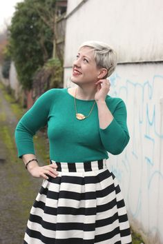 Outfit: Stripes and Colour – Retro Chick Undercut Styles, Undercut Women, Skirt Outfits, Dress Skirt, Pixie Cut With Undercut, Lipstick Colors, Vintage Hairstyles, Short Hair Styles, Stripes