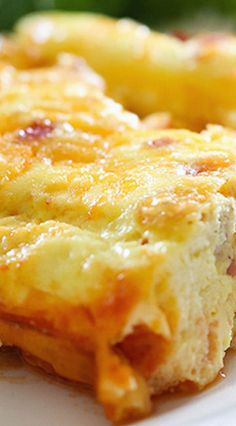 Baked Cheesy Omelet - Chef in Training What's For Breakfast, Christmas Breakfast, Breakfast Items, Breakfast Dishes, Breakfast Casserole, Breakfast Recipes, Baked Egg Casserole, Egg And Cheese Casserole, Egg Recipes