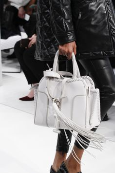 Tod's Fall 2017 Ready-to-Wear Accessories Photos - Vogue