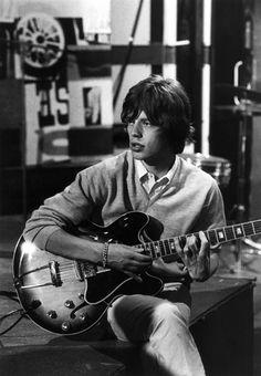"""Mick Jagger.....hab ihn 19..irgendwann in Denpasar, Bali getroffen. Der Schwarm meiner Jugendjahre...haette ihn wohl besser so in Erinnering behalten:-) Never mind still love the """"Stones""""!"""