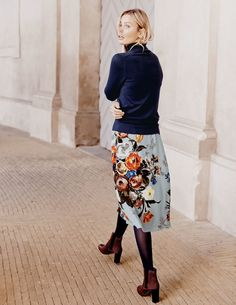 Oona Skirt WG625 Below Knee Skirts at Boden