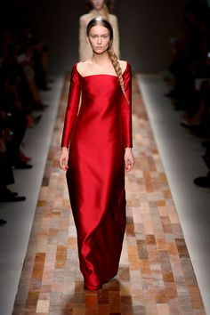 Red Valentino Gown | Radiantly Red | Valentino Fall-Winter 2013-2014
