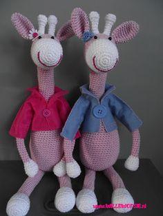 super cute couple of giraffes! #crochet