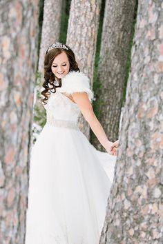 Winter Wonderland Bride | James Stokes Photography on @savvybride via @aislesociety