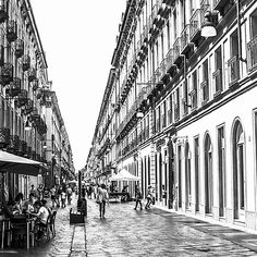 #noiretblanc #blackandwhite #bnw #photography #bw #monochrome #bnwphotography #photooftheday #blackandwhitephotography #bnw_captures #photo #bw_lover #art #streetphotography #bnwphoto #Shotoniphone #architecture #design #architecturelovers #architecturephotography #histoire #history #voyage #tourisme #musée #lightroomstoriescontest #shotoniphone Monochrome, Architecture Design, Photos, Art, Tourism, Black White, Travel, Architecture Layout, Pictures