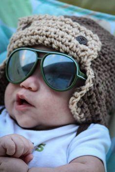 Make in girly colors for little girls pilot hat Crochet Baby Hats, Crochet Beanie, Crochet Toys, Baby Knitting, Knit Crochet, Learn To Crochet, Crochet For Kids, Crochet Crafts, Crochet Projects