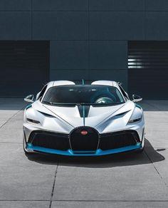 Bugatti Fashion, Bugatti Cars, Lamborghini, France Art, Luxury Life, 21st Century, Art History, Super Cars, La Ferrari