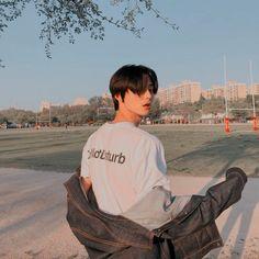 ପ ˿⁽ @ 𝓀𝓎𝑜𝓍𝓎𝑜𝓃𝑔 ✧ ˚ ༘ — hastag's ; - ପ ˿⁽ @ 𝓀𝓎𝑜𝓍𝓎𝑜𝓃𝑔 ✧ ˚ ༘ — hastag's ; Korean Girl Ulzzang, Couple Ulzzang, Ulzzang Korea, Cute Asian Guys, Asian Boys, Cute Guys, Korean Boys Hot, Korean Men, Beautiful Boys