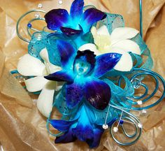 All of Your Prom Corsage and Boutonniere Questions- Answered! Homecoming Flowers, Homecoming Corsage, Prom Flowers, Wedding Flowers, Homecoming Dance, Pretty Flowers, Homecoming Dresses, Wedding Colors, Floral Wedding