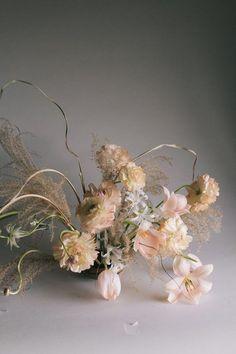 minimal natural feminine bouquet