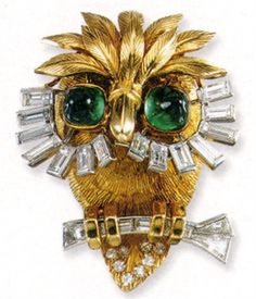 Gold brooch with diamond and emeralds - vogue.it
