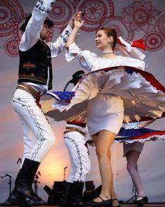 Folklórny súbor ZOBOR bol založený v roku 1956 a ak máte radi ľudové tradície podporte ich profil aj na Instagrame  @fszobor   #praveslovenske Beautiful Costumes, Beautiful Outfits, Hungarian Embroidery, Folk Dance, Ethnic Outfits, My Heritage, Folk Costume, People Around The World, Folklore