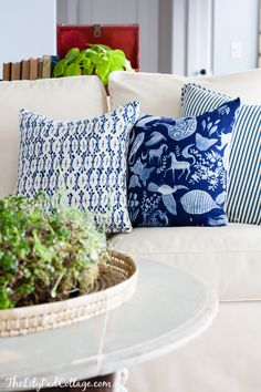 Blue Throw pillows | The Lilypad Cottage