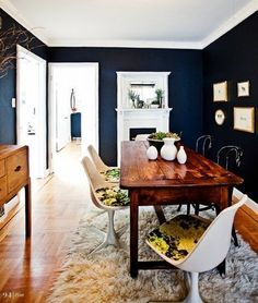 Love the navy walls ~ I've been thinking really dark blue walls in my bedroom. I have timber floors and furniture although I'll have less white, except my curtains which are a soft, sheer white with silver damask. Navy Blue Walls, Black Walls, White Walls, Charcoal Walls, Dining Room Blue, Dining Table, Dining Rooms, Dining Area, Dining Chairs