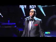 Love me some R Kelly Watch him perform at the 2010 BET Awards. Too HOT! ❤