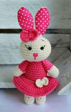 Cute bunny amigurumi, free crochet pattern, stuffed toy, #haken, gratis patroon (Engels), konijn met jurk, knuffel, speelgoed, #haakpatroon