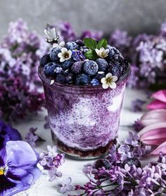 astuce recette minceur girl world world recipes world snacks Simple Muffin Recipe, Purple Food, Coconut Yogurt, Smoothie Bowl, Aesthetic Food, Food Styling, Food Art, Food Photography, Berries