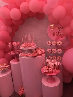 bachlorette party ideas Take a look at this Pretty in Pink Bachelorette Party! The balloon garland is incredible! See more party ideas and share yours at 21st Bday Ideas, 21st Birthday Decorations, Pink Party Decorations, Birthday Party For Teens, Barbie Birthday, Birthday Brunch, 22nd Birthday, Pink Party Themes, 18th Party Ideas