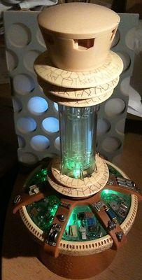 Tardis Wedding Cake Topper | Doctor Who Wedding / The Tardis console... as a cake topper?