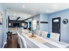 Step into this Turnkey, stylish and cozy Lake Balboa home with open floor plan.