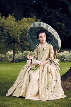 Several new official photos from the second season of Outlander have surfaced online. Below are new photos of Claire (Caitriona Balfe), Prince Charles (Andrew Gower), Murtagh (Duncan Lacroix), Mast…