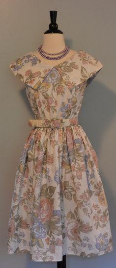 VINTAGE 1980s inspired 1950s Floral Print Dress @Kristján Örn Kjartansson's Vintage Clothing #Etsy #vintage #fashion