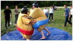 Louez des combinaisons de sumos adultes pour vous affrontez dans la bonne humeur sur https://www.e-loue.com/location/reception/exterieurs/jeux-gonflables/costumes-de-sumo-34464/