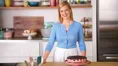 Canal Cocina estrena, en exclusiva, la cuarta temporada de La repostería de Anna Olson en español. En estos nuevos veinte episodios la famosa repostera...