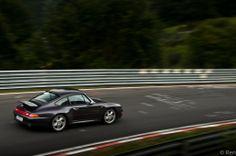 Porsche 993 Carrera 2S Vesuvio Edition stretching its legs at Nurburgring.