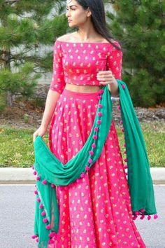 Best Chaniya Choli Design ideas for Navratri Navratri is one of the favourite festivals of every girl and festival full of colours, lights and garba. Choli Blouse Design, Choli Designs, Lehenga Designs, Blouse Designs, Indian Attire, Indian Wear, Patiala Salwar, Anarkali, Lehenga Choli