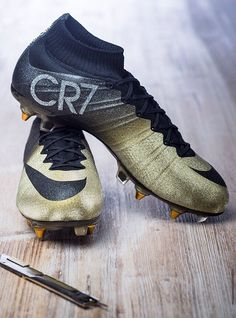Mercurial Superfly CR7 Rare Gold