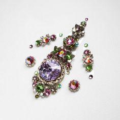 Bindi from 2016 :) Bindi Spring fairy 🌸🍀🌷 #bindi #bindis #jewerly #swarovski #violet #bright #preciosa #handmade #crystal #tribal #ats #bellydance #tribal_bellydance #americantribalstyle #swarovskicrystal #tribalfusion #tribalbellydance #vitebsk #belarus #silver #dmc #shine #sparkle #spring #fairy #green #auroraborealis #amethyst #olive #flexible